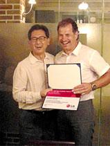 LG Auszeichnung für Fritz Strieffler